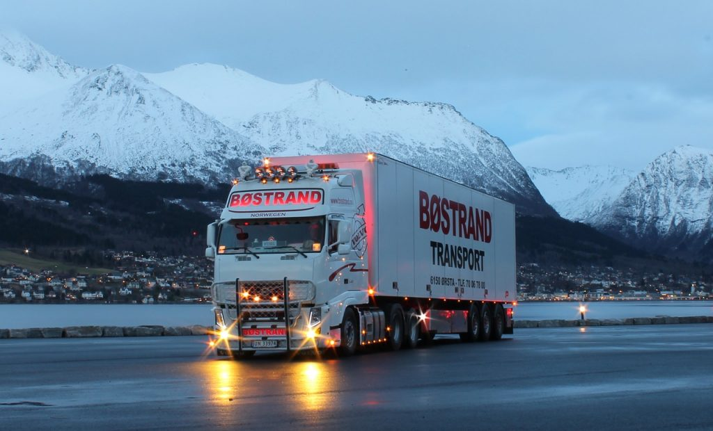 Volvo's trucks and cars implement road safety solution